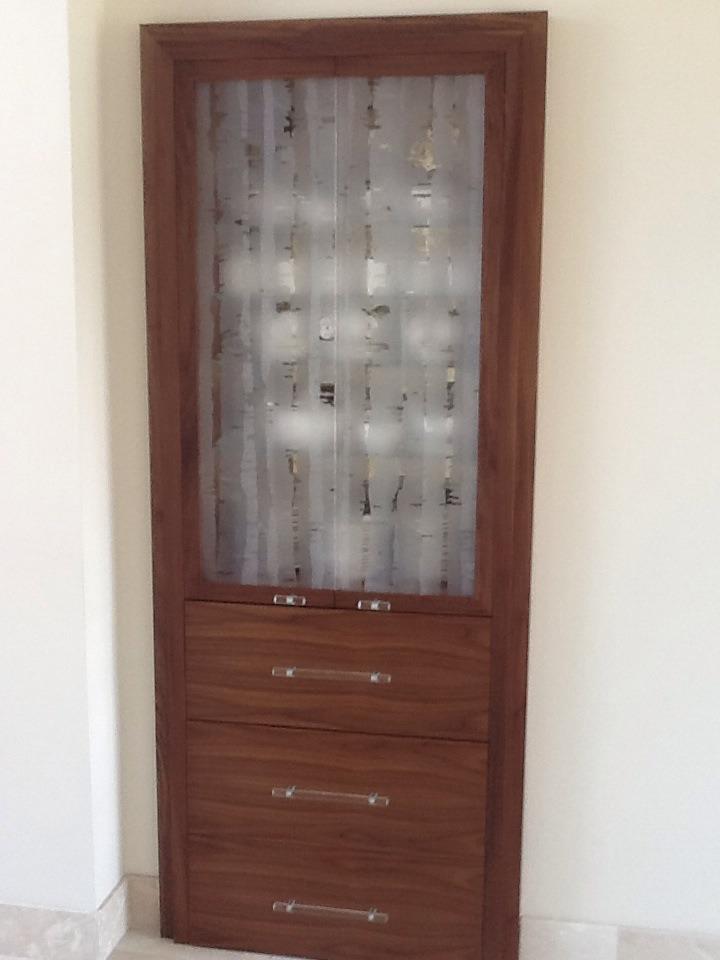 Daedalian gloass cabinet salisbury house lancashire