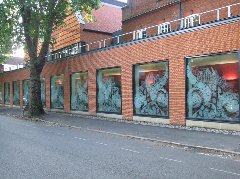 Newham College, Cambridge - Daedalian Glass Studios
