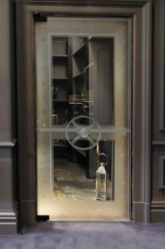 Bespoke door panel created by Daedalian Glass Studios.